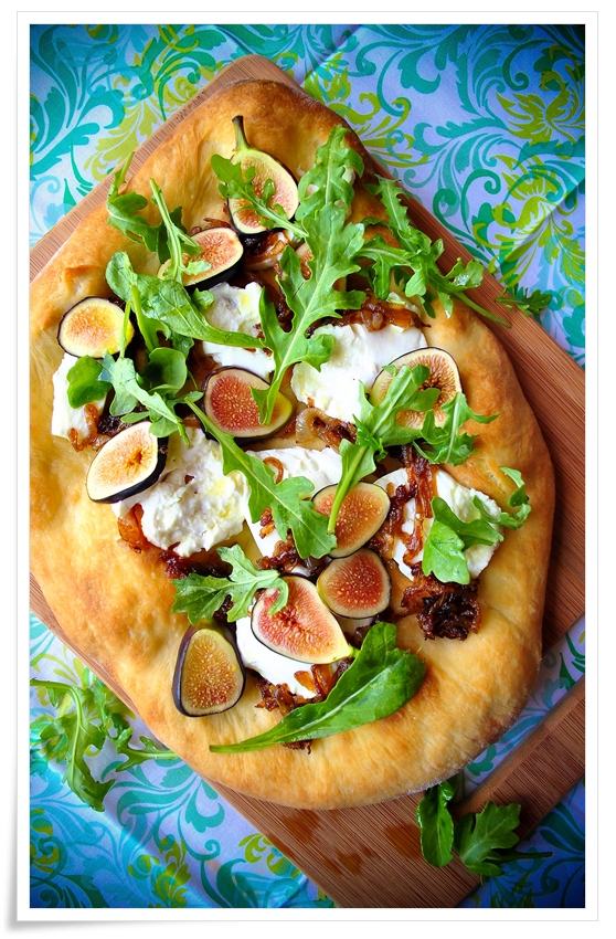 Fig, Caramelized Onion, and Goat Cheese Flatbread Pizza | okie dokie ...