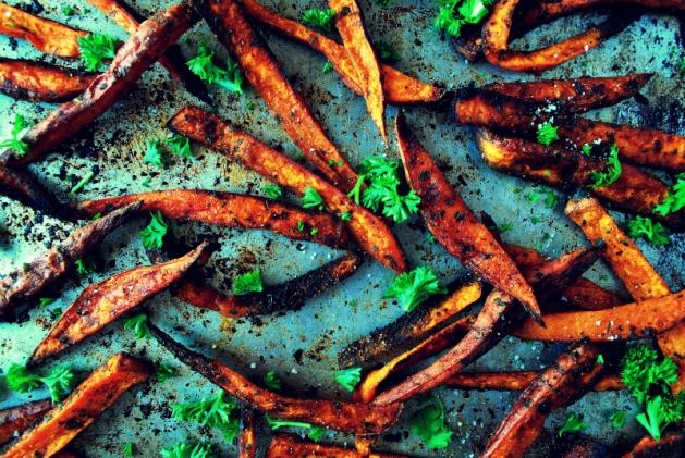 Cinnamon and chile-dusted sweet potato fries » okie dokie artichokie