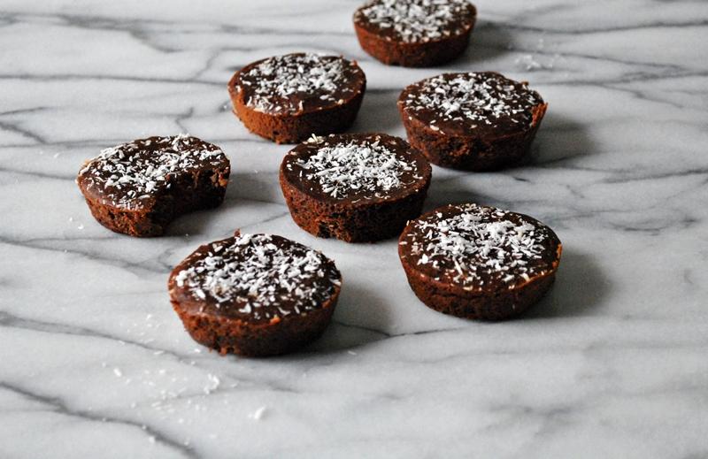 Fudgy black bean + coconut protein brownies